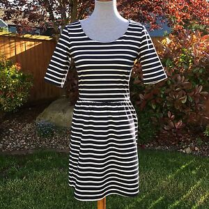 Gap XS Fit Flare Skater Dress Navy Blue White Stripe Summer Wide ... 7a8011ffd