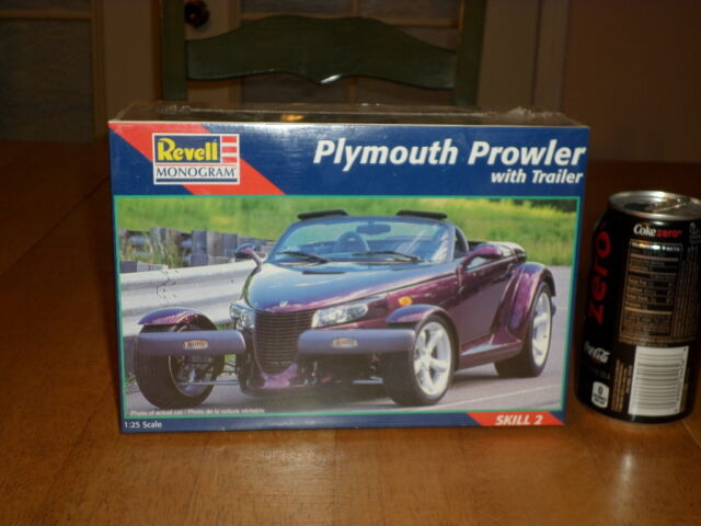Plymouth Prowler Car With Trailer Plastic Model Kit Scale 1 25
