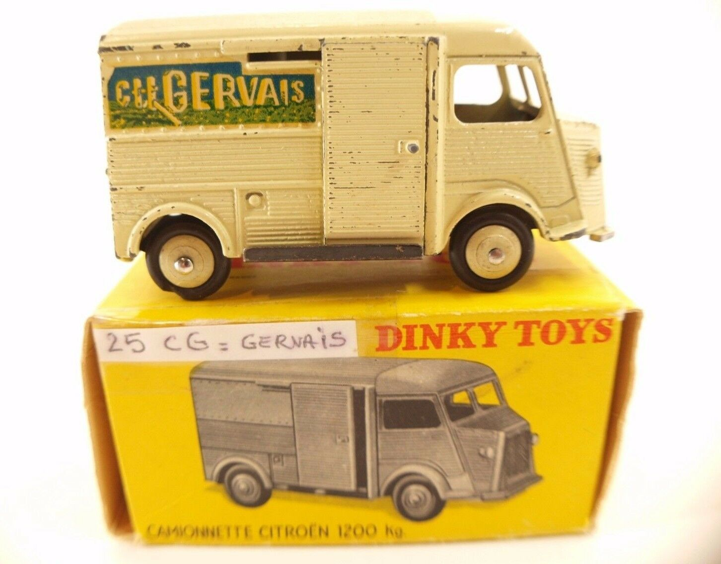 Dinky Toys F n° 25CG Citroën Charles Gervais 1200 Kg tube en boite