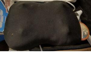Brookstone-iNeed-Lumbar-Massager-Pillow-F-224-w-Carrying-Bag