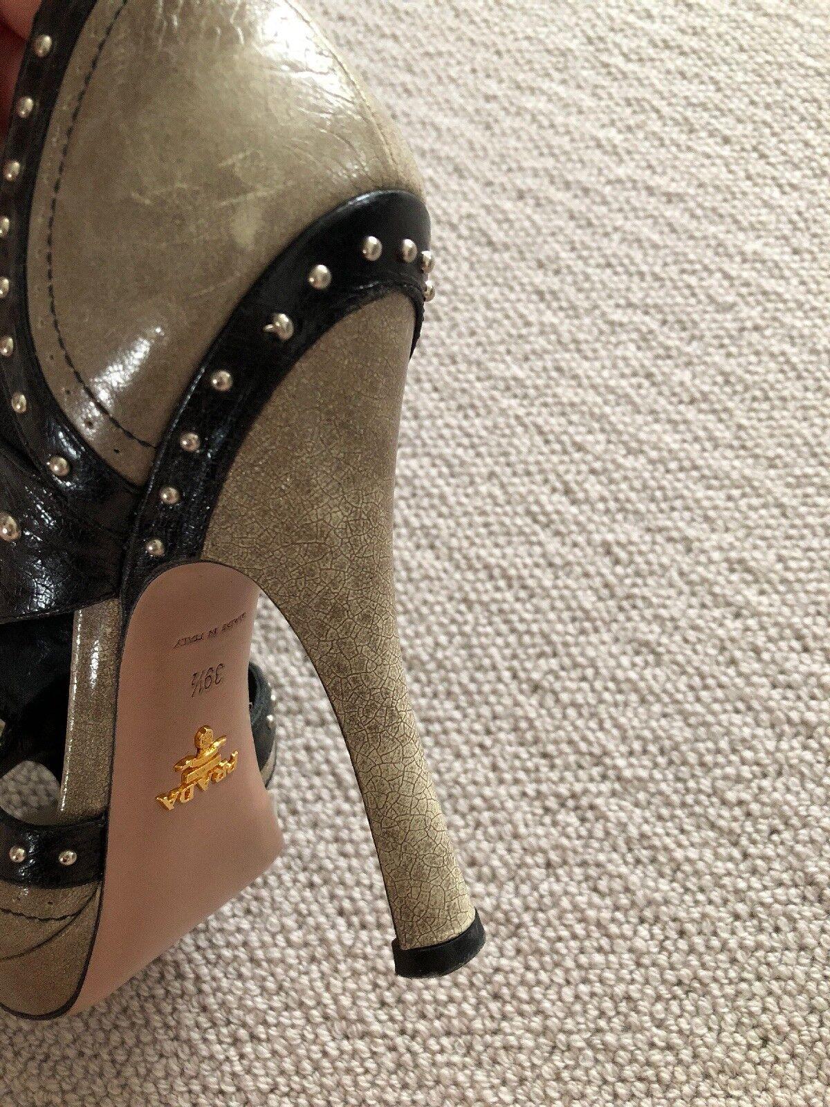 PRADA High Beige Heal Dhoes 39.5. Beige High  Leder/schwarz/studs 79d773