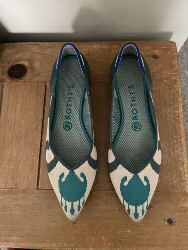 Rothys 8 point Retired Moroccan green color