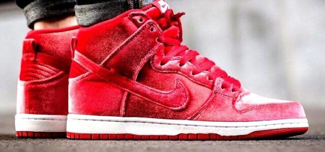 new styles 36dc5 c896f Nike Air Dunk High SB VELVET 9 Max 180 1 Red October 10.5 90 95 97