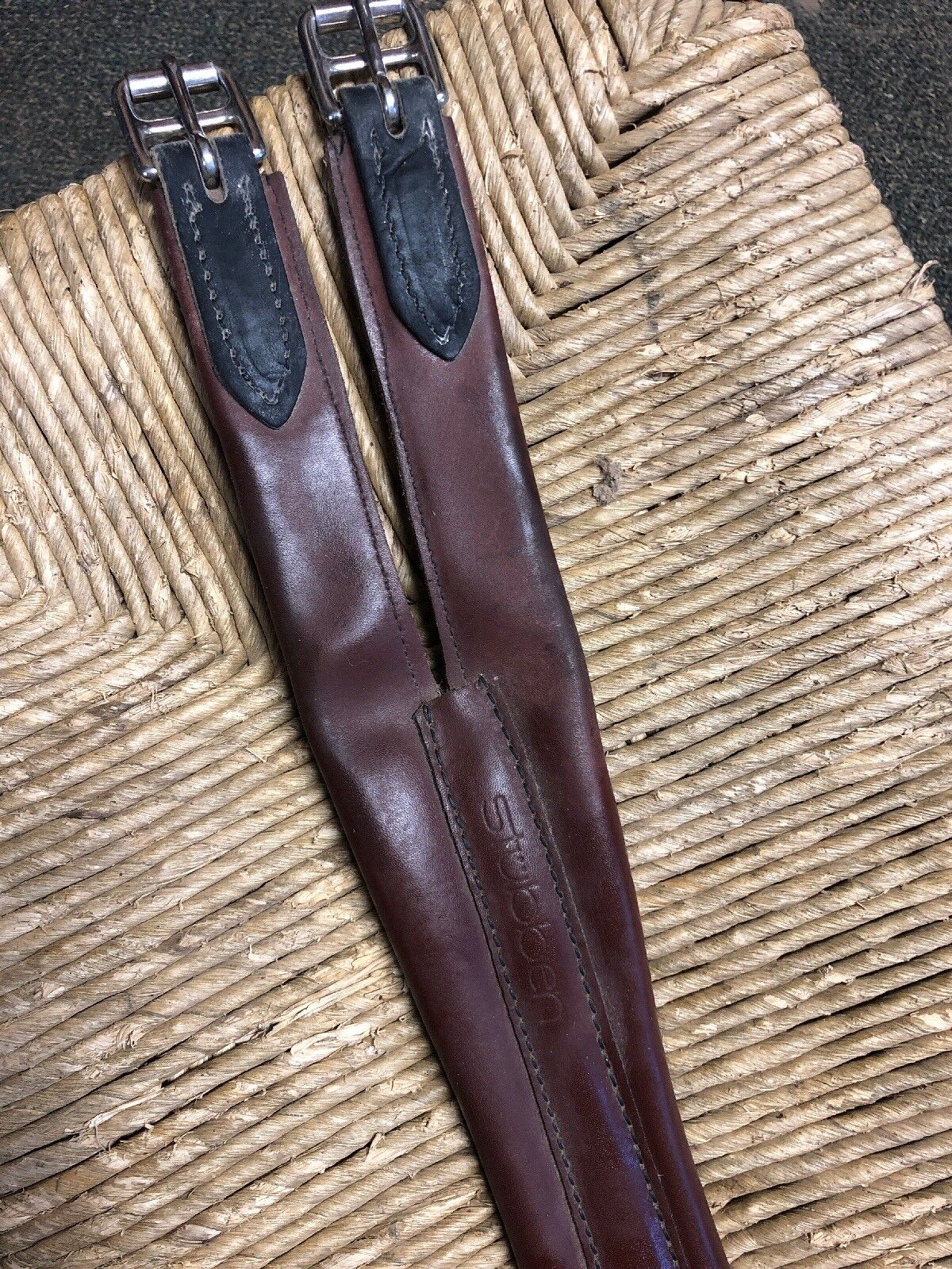 Beautiful  Stubben Leather Girth 125cm Triple elastic . New  cheapest price