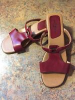 Red Sandals Duck Head Size 6 M Leather Upper Slip On Low Heel Guc