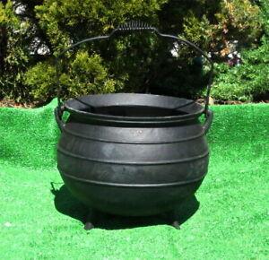 X-Lg Cauldron Kettle Pot / Planter -  Tripod Legs Bail Handle Cast Iron