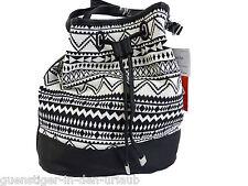 TCM Tchibo Beuteltasche Schultertasche Crossbag Damentasche Tasche schwarz weiss
