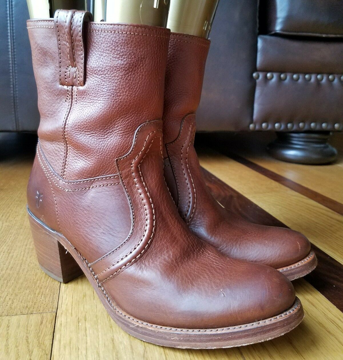 FRYE 76400 Jane Trapunto Womans Bootie Redwood Leather Motorcycle Boots Sz 7.5 B