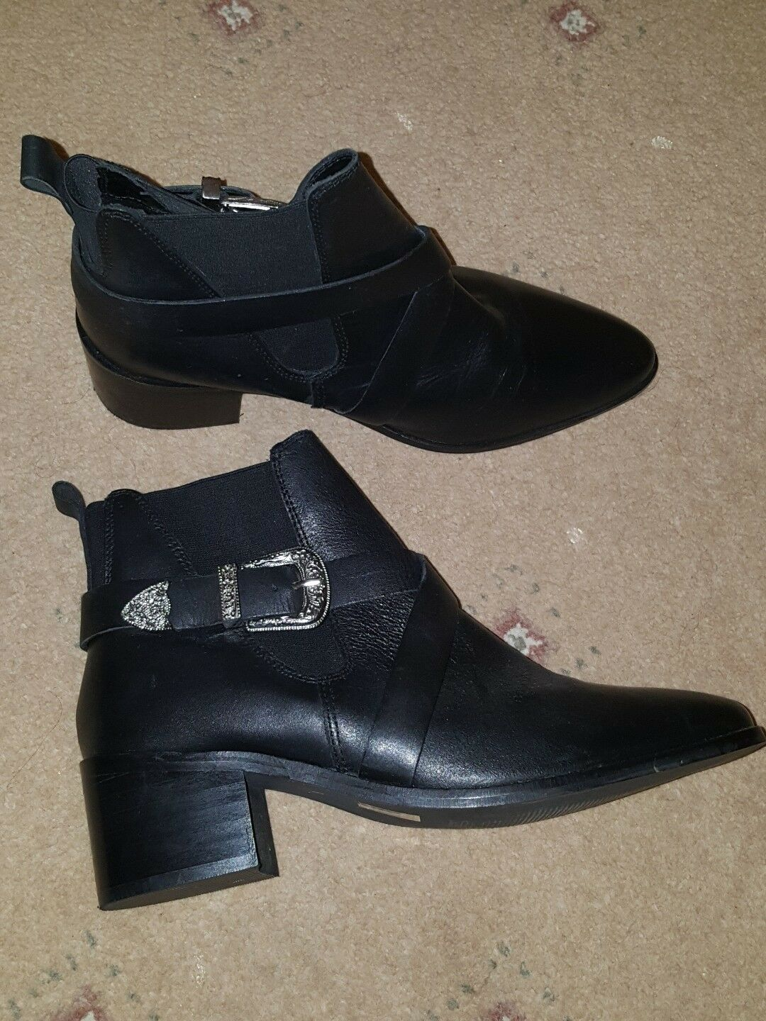 WORN ONCE RIVER ISLAND BLACK POINTED TOE LEATHER BUCKLE 6 ANKLE Stiefel Schuhe SIZE 6 BUCKLE d9be33