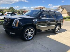 2008 Cadillac Escalade (low km)