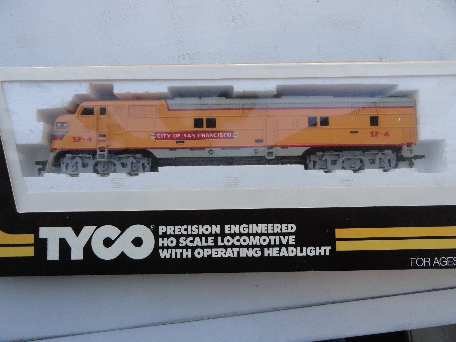 TYCO HO SCALE *UNION PACIFIC City Of San Francisco Diesel SF-4*nice in box Works