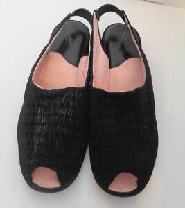 Vintage Black Open Toe Oomphies Slippers 7 1/2 7.5 N