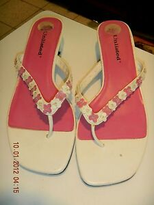922caf475b743 Details about UNLISTED PINK & WHITE FLOWERS W BEADS 1 1/2 INCH HEEL THONG  SANDAL SZ 8 1/2