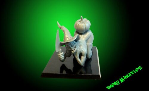 The Witch in Halloween 75mm resin figure by Garry Miniatur/'s
