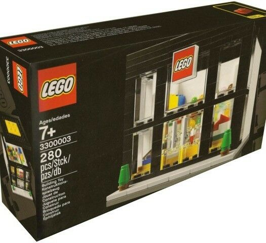 LEGO Retail Store Set 3300003 New Boxed is Creased