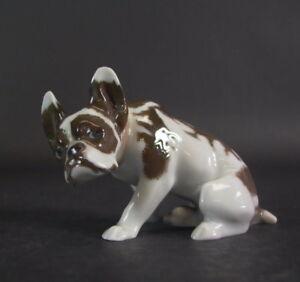 Rosenthal-Kunstabteilung-Hund-Bully-Bulldogge