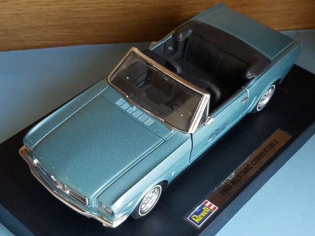 Revell  Ford Mustang Gt Convertible