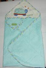 Sterntaler 7101790 Kapuzenbadetuch Wolken hellblau 80x80cm mit Namen bestickt 2 Waschhandschuhe