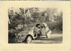 PHOTO-ANCIENNE-VINTAGE-SNAPSHOT-VOITURE-AUTOMOBILE-2CV-CITROEN-CAR-HOSSEGOR