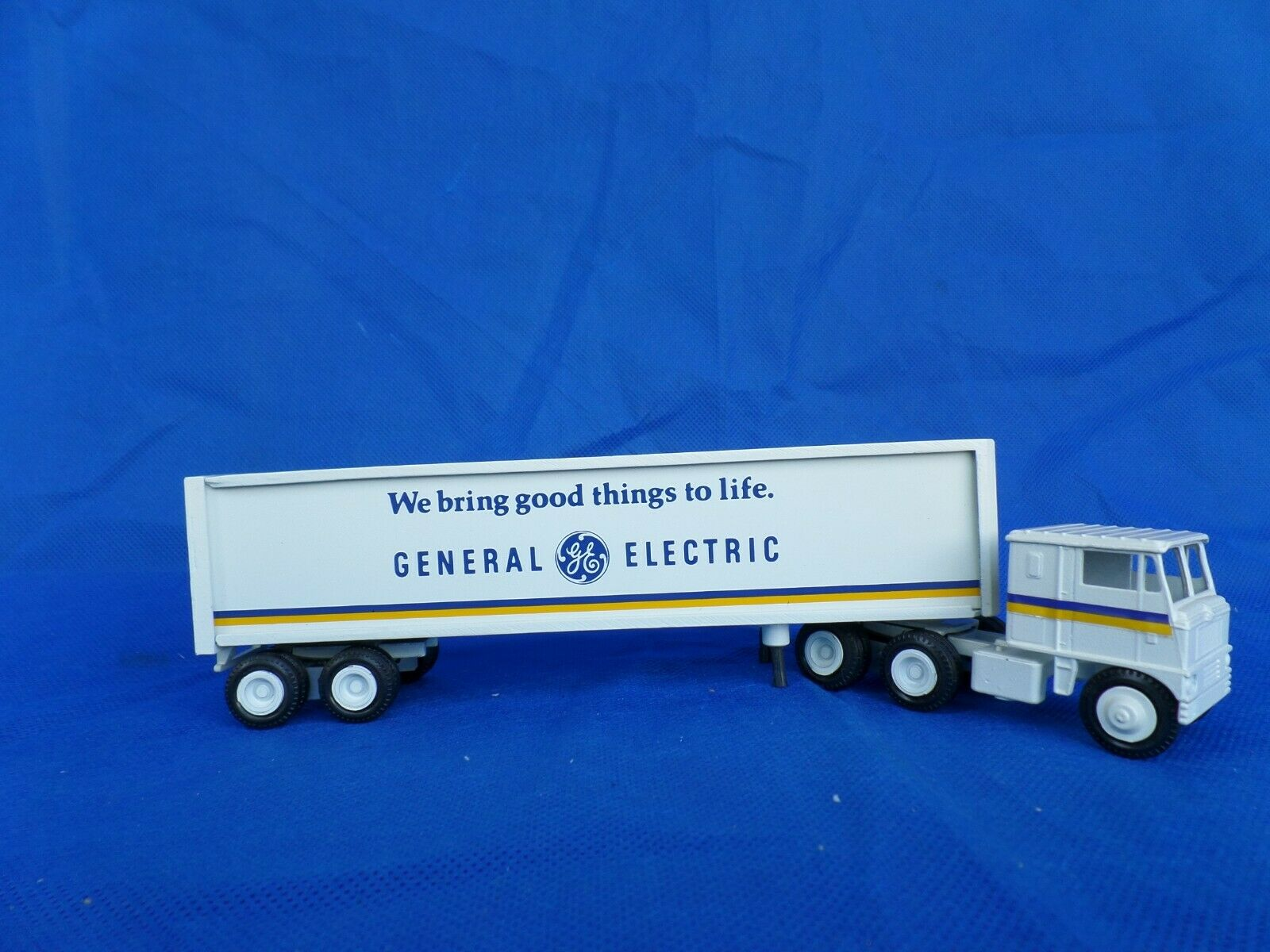 WINROSS camion et remorque General Electric 1972