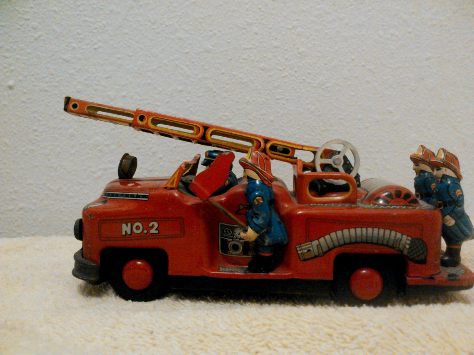 1950s Vintage  Nomura Toy Tin Fire Engine NO. 2 with moving Flag firemen-ladder