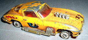 Modellino-Corgi-toys-Chevrolet-Corvette-Sting-Ray-1-43-metallo-INCOMPLETO