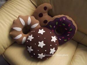 Cuscini A Biscotto.Set Cuscini A Forma Di Biscotto Pan Di Stelle Gocciola Bucaneve