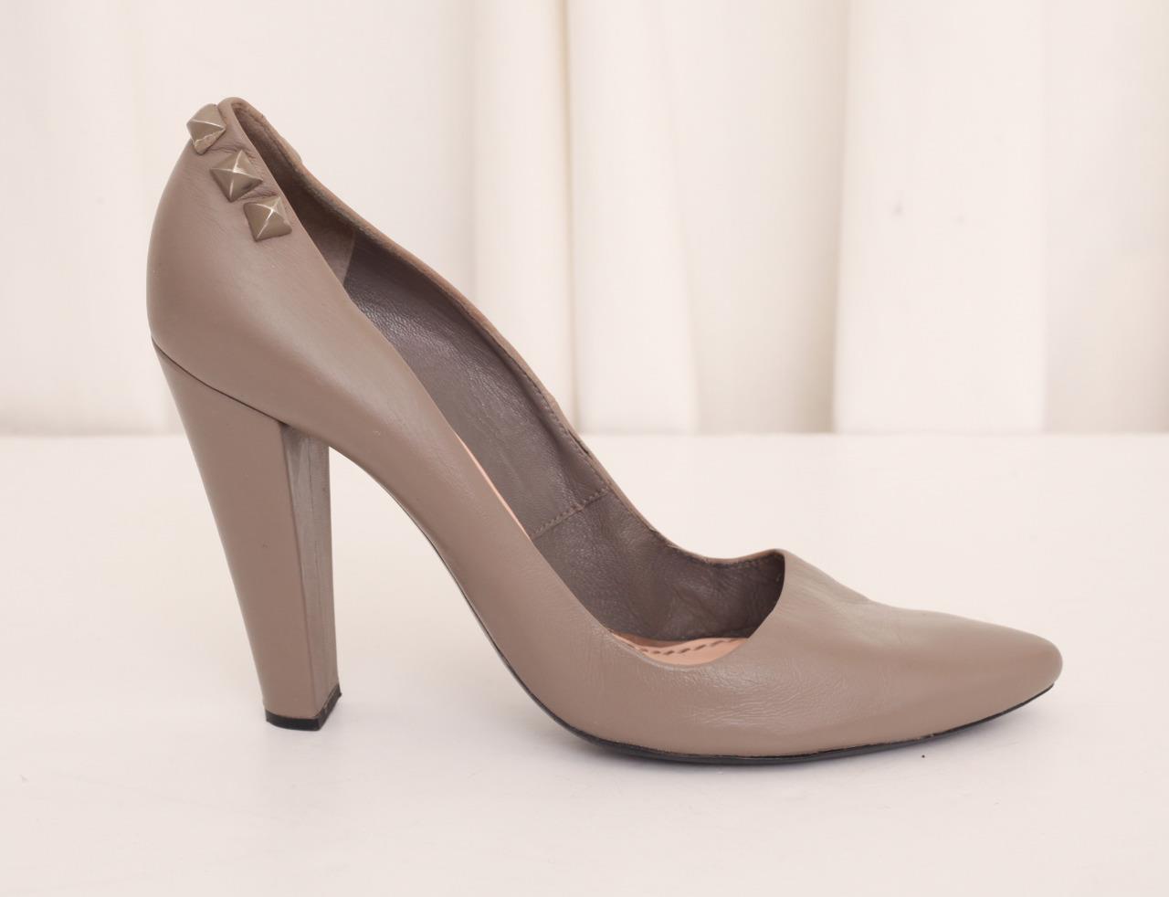 MARC JACOBS Damenschuhe Taupe Leder Studded Pointy-Toe High-Heel Pump Schuhe 11-41