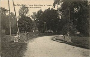 CPA Les MESNULS Parc de Blainvilliers Cascade (806401)