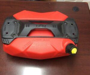 4 gallons  #860201265 NEW Ski-Doo LinQ Stackable Fuel Caddy