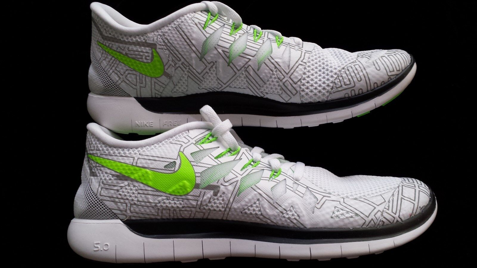 NEW WOMENS NIKE FREE   5.0 BOSTON WHITE GREEN BLACK     Size 10