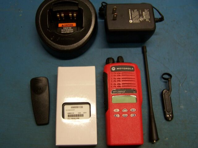 Motorola HT1250 LS+ UHF 403-470MHz AAH25RDH9DP5AN Red Case Mint Tested