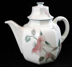 Mikasa-SILK-FLOWERS-Coffee-Pot-F3003-with-CHIP-on-inside-of-LID
