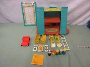 Fisher-Price-Little-People-Play-Family-990-d-Frame-House-Chalet-lot-set-ladder
