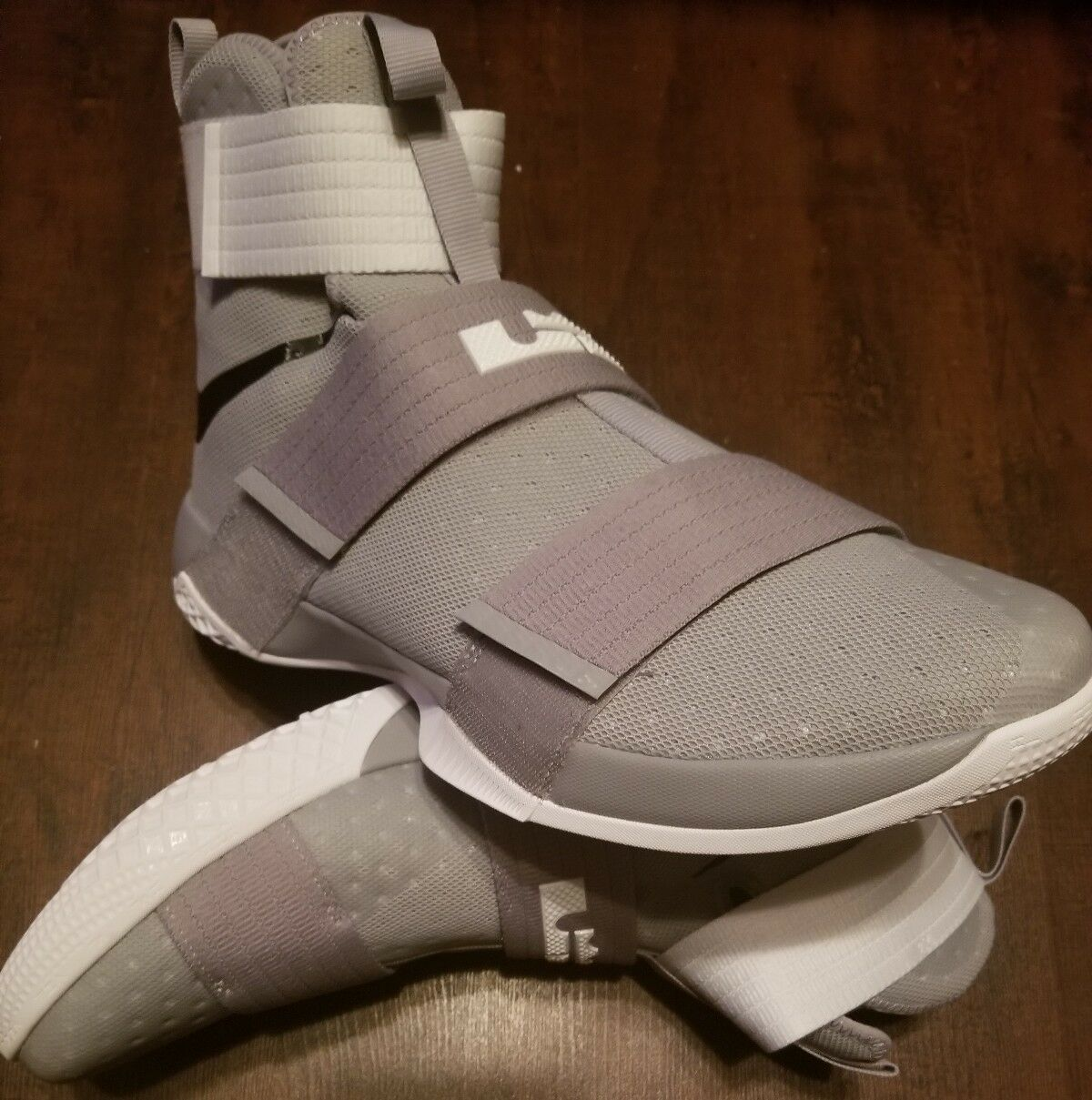 New shoes for men and women, limited time discount New Nike Lebron LBJ Soldier 10 TB Mens Comfortable
