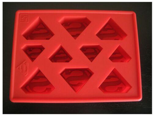 SPIDERMAN AND SUPERMAN SUPERHERO BIRTHDAY CAKE PAN CANDY MOLD ICE TRAY SET