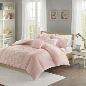 Beautiful Ultra Soft Pink Ruffled Pleat Tufted Geometric
