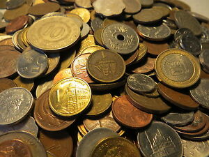 40-all-different-WORLD-coins-from-a-bulk-charity-donation-of-mixed-coins-8e