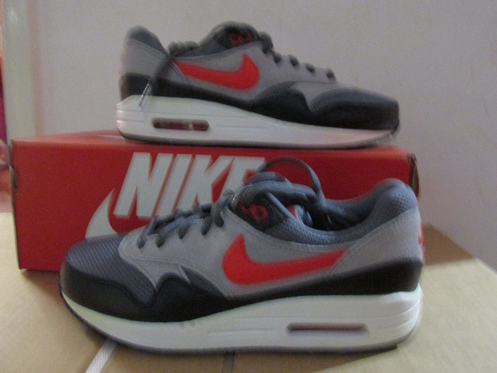 Nike Air Max 1 GS Trainers 555766 016 Sneakers Chaussures CLEARANCE