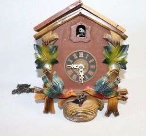 Pre-Owned-Cuckoo-Clock-with-2-Moving-Birds-For-Parts-and-Repair