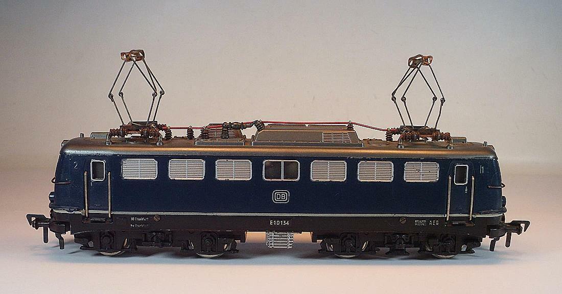 Fleischmann H0 1337 E-Lok BR E 10 134 4-achsig der DB Guß 2 Gleichstrom  7488  | Schön
