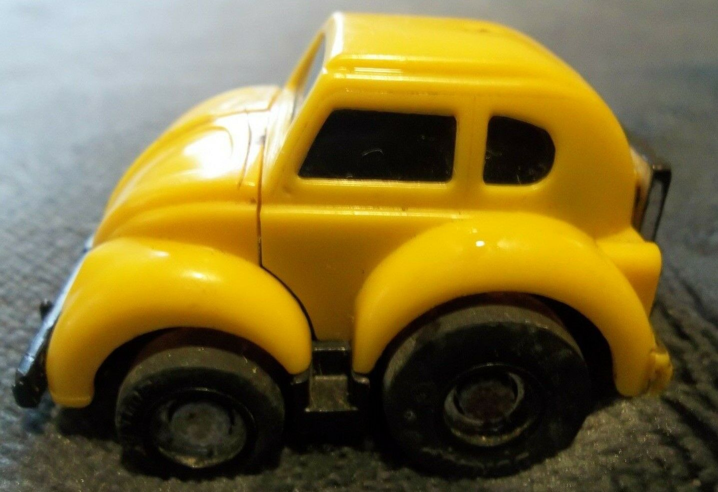 Vintage TRANSFORMERS G1 Bumblebee Yellow VW Autobot MINI VEHICLE 1984 Complete