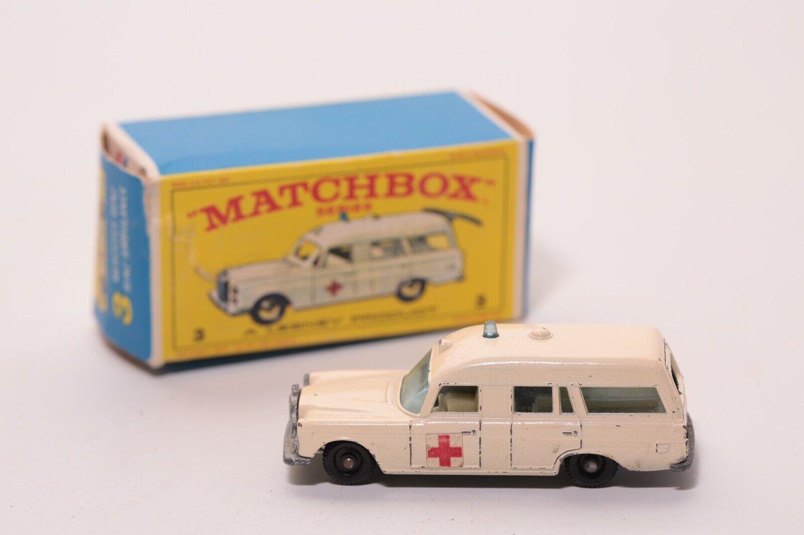 Vintage Rare MATCHBOX Lesney   3 1960 S MERCEDES BENZ AMBULANCE en boîte
