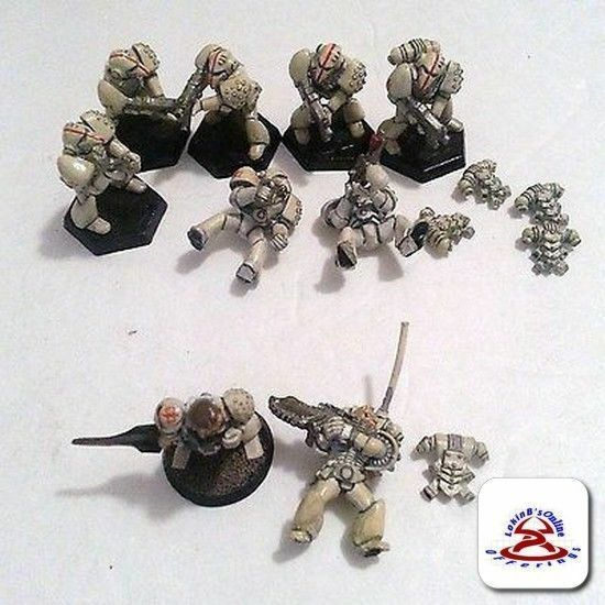 Vintage Games workshop WarHammer Miniature......(C18B2)