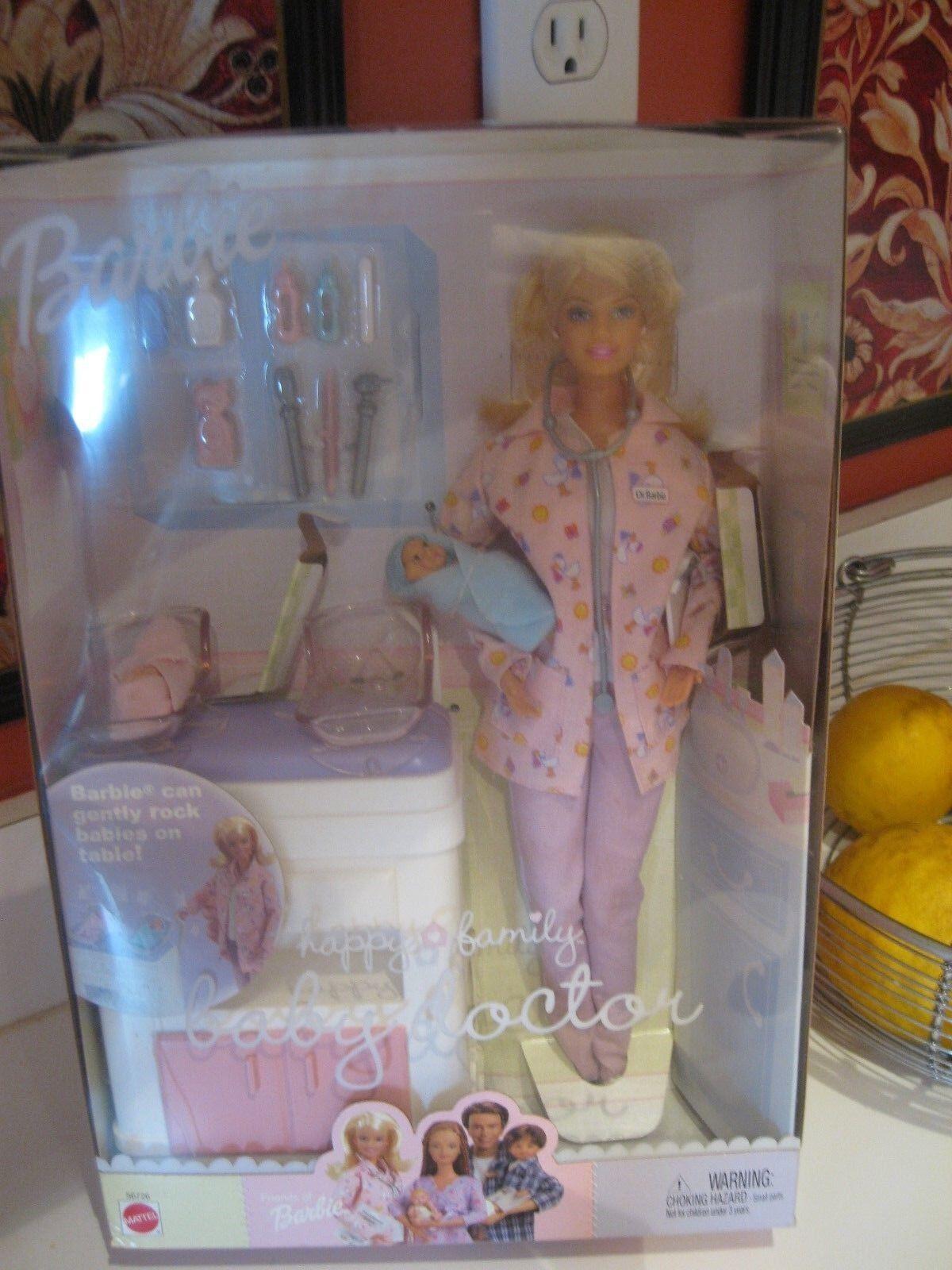 Familia Feliz Bebé médico Barbie 56726