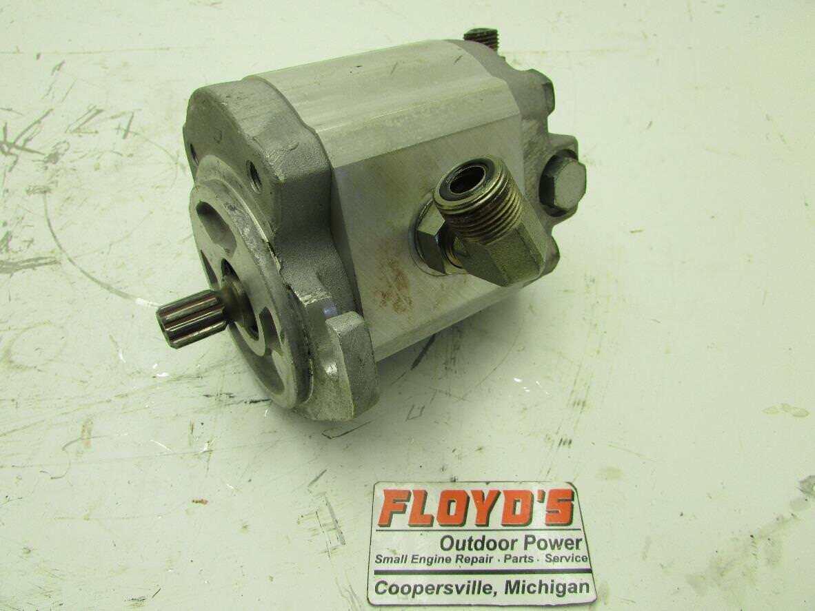 Toro 03805 Reelmaster 6700-D Motor Hidráulico Cocherete (Montaje del oído rojoo) 98-9999