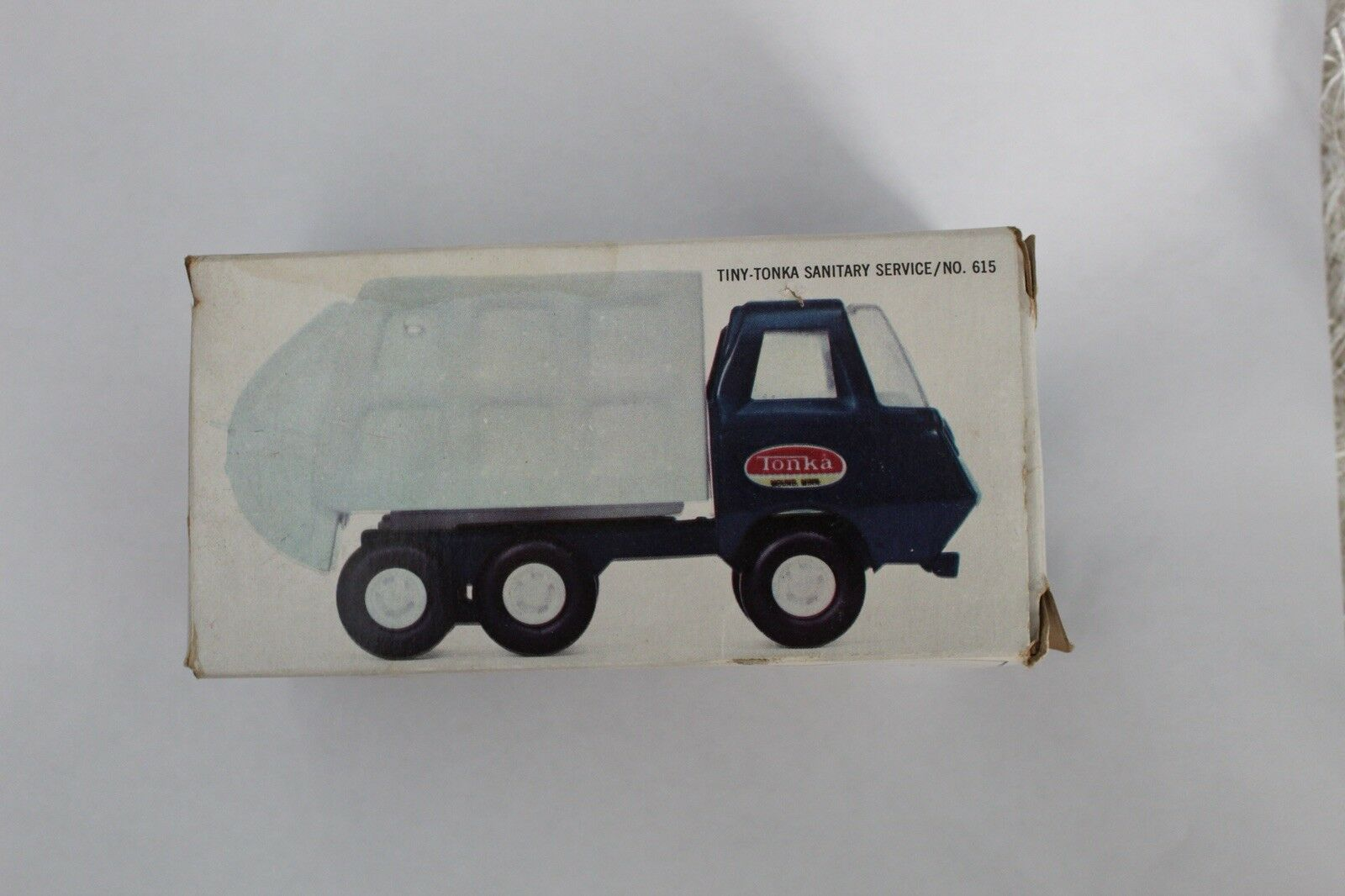 Vintage Tonka Sanitary Servive GarbageTruck No. 615 bluee and White Pressed Steel