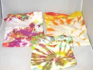 Lot-Of-3-Tie-Dye-Short-Sleeve-T-Shirts-Hanes-Fruit-Of-The-Loom-2-Size-M-1-Size-L