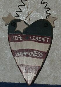 LIFE-LIBERTY-HAPPINESS-Distressed-Americana-Patriotic-HEART-Christmas-Ornament