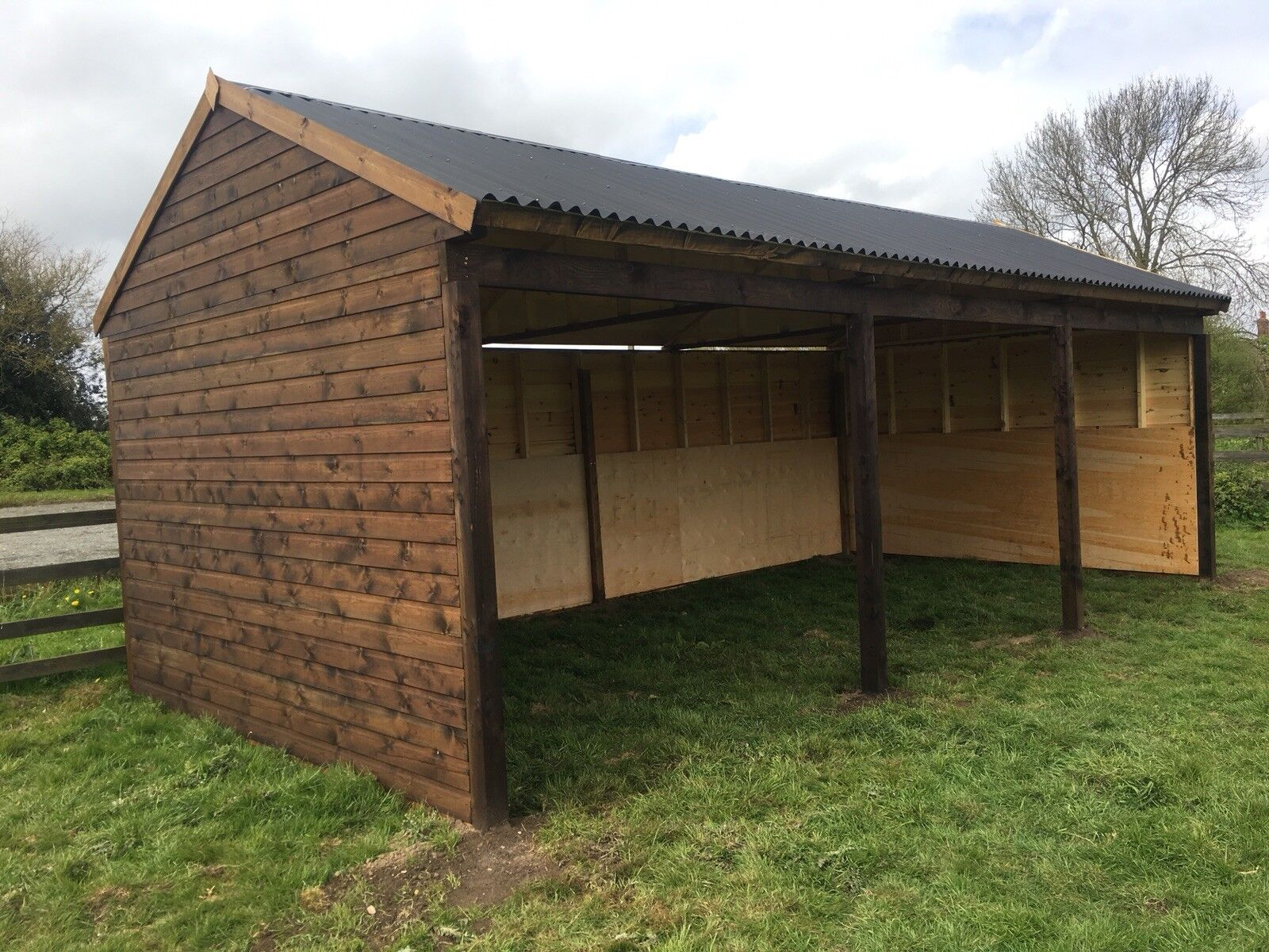 24ft x 12ft Apex Field Shelter, horse   animal stable. Made To Order.